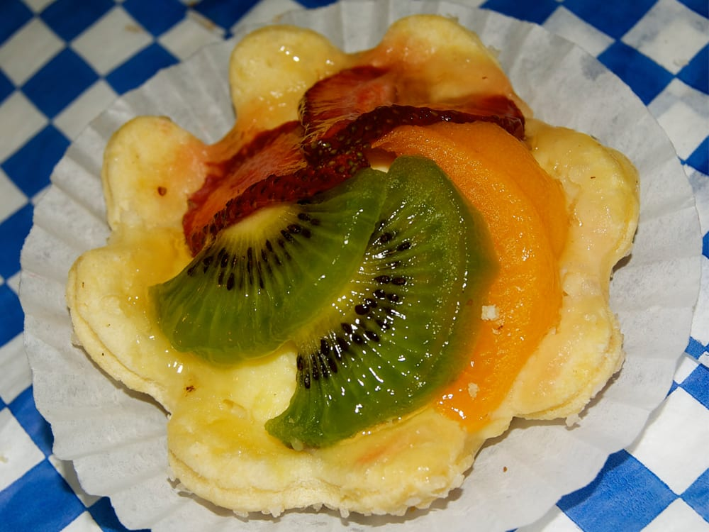 Fruit Tart at Steveston Bakery