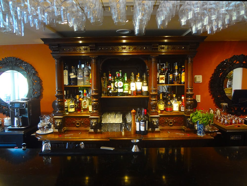 Pull up a Stool at the bar onGaliano Island at Woodstone Manor